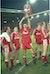 Ian Rush løfter pokalen etter Liverpools siste ligatrofé, i 1990.