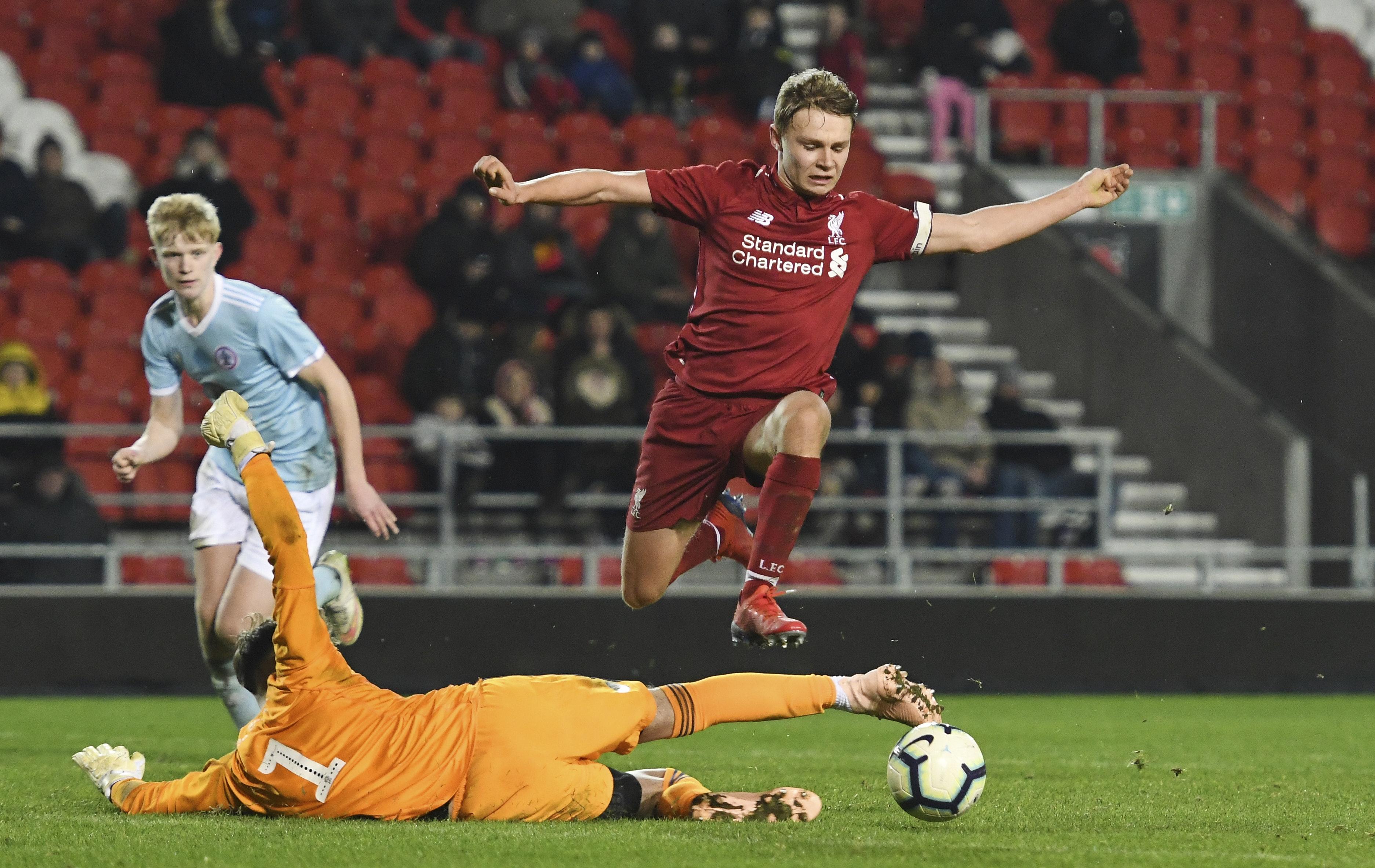 Hat-trick sendte Liverpool videre