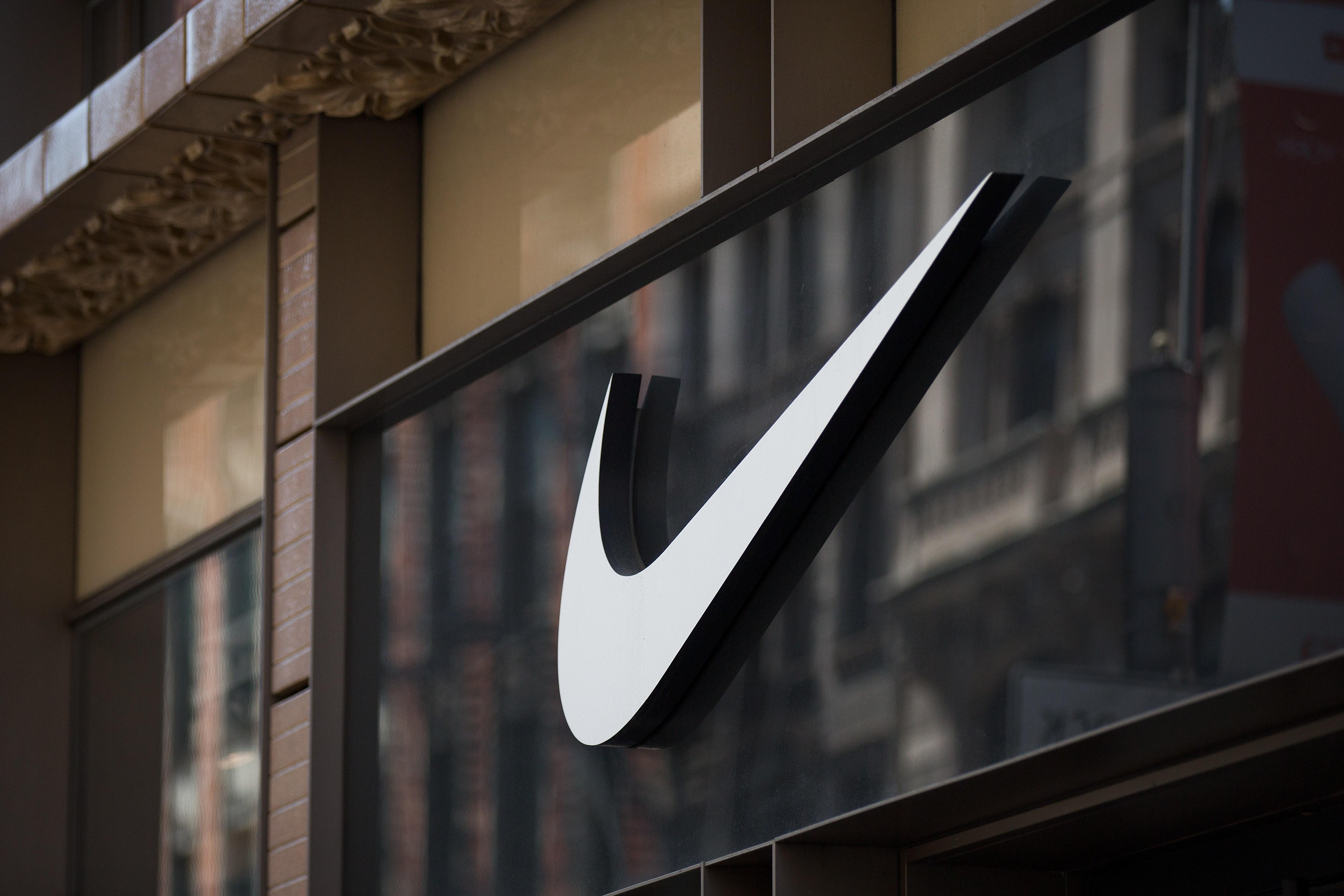 Leste ikke gjennom hele kontrakten med Nike