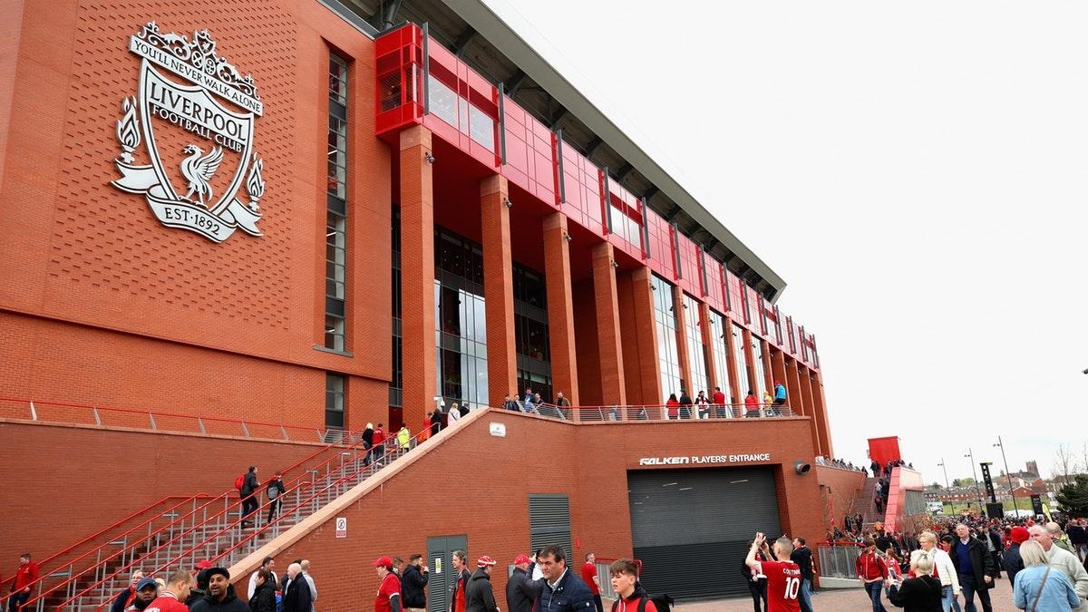 Hva navnerettighetene til Anfield nå er verdt